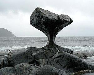 Vågsøy (island) - Image: Kannesteinen 01