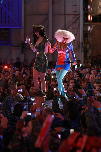 "VH1 Divas - Katy Perry and Nicki Minaj performing ""Girls Just Want to Have Fun"" at VH1 Divas Salute The Troops."