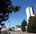 Kirche und Wasserturm in Lachen-Speyerdorf - panoramio.jpg