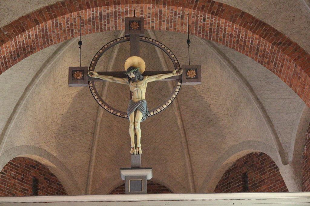 Klosters kyrka crucifix.JPG