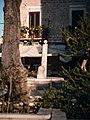 La Colonna infame vista dall'ulivo di Piazza Mercantile.jpg