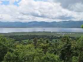 Vue panoramique du lac Inle.