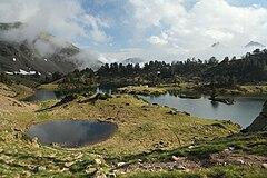 Lac du Milieu de Bastan Hautes Pyrénées 01 BLS.JPG