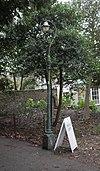 Lanterna kolono proksime de Preston Manor, Preston Drove, Preston Village (IoE Code 481072).jpg