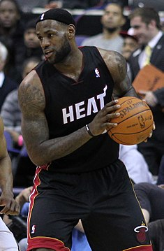 James Heat formasıyla.