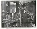 Le docteur Rivière et l'une des salles d'électrothérapie de son Instit CIPB0323.jpg