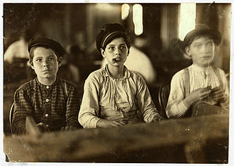 Tampa, Florida - Child labor at a cigar factory, 1909. Photo by Lewis Hine.