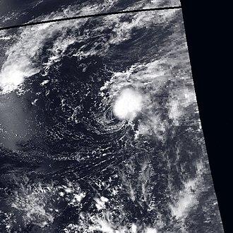 1990 Pacific typhoon season - Image: Lewis may 1 1990 0412Z