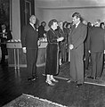 Lezing Hillary, Amsterdam. koningin Juliana en prinses ... aanwezig, Bestanddeelnr 906-1047.jpg