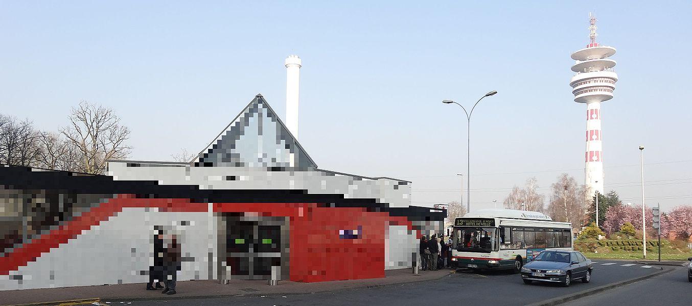 Station Fort de Mons de la ligne 2 du métro de Lille Métropole.