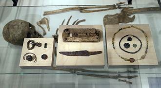 Vrijthof - Contents of a Merovingian woman's grave (Limburgs Museum)