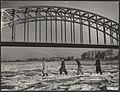 Lopen over het ijs van de IJssel, Bestanddeelnr 060-0300.jpg