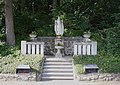Lourdesgrotte im Wienerwald Herz-Jesu-Statue.JPG
