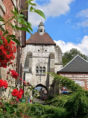 Lucheux - The belfry of Lucheux is a former city gate tower