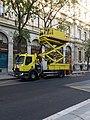 Lyon 2e - Rue de la République, camion d'entretien des lignes des trolleybus, côté gauche.jpg