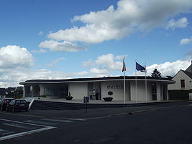 280px-Mairie_-_La_Membrolle-sur-Longuen%C3%A9e_(49).JPG