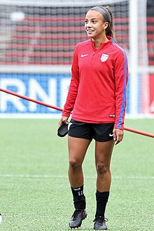 Mallory Pugh warmup Sep2017.jpg