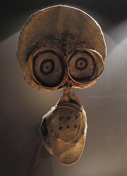 File:Masque kavak. Baining. Nouvelle-Bretagne, Papouasie Nouvelle-Guinée. Museum La Rochelle.jpg