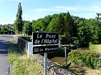 Maumont Donzenac pont Hôpital panneau.JPG