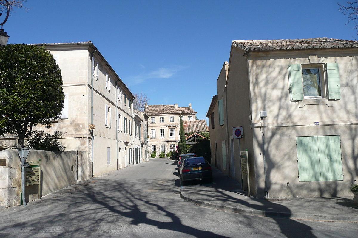 Maussane-les-Alpilles — Wikipédia.