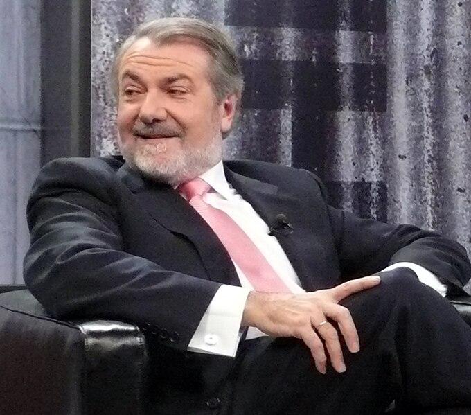 Archivo:Mayor Oreja.jpg