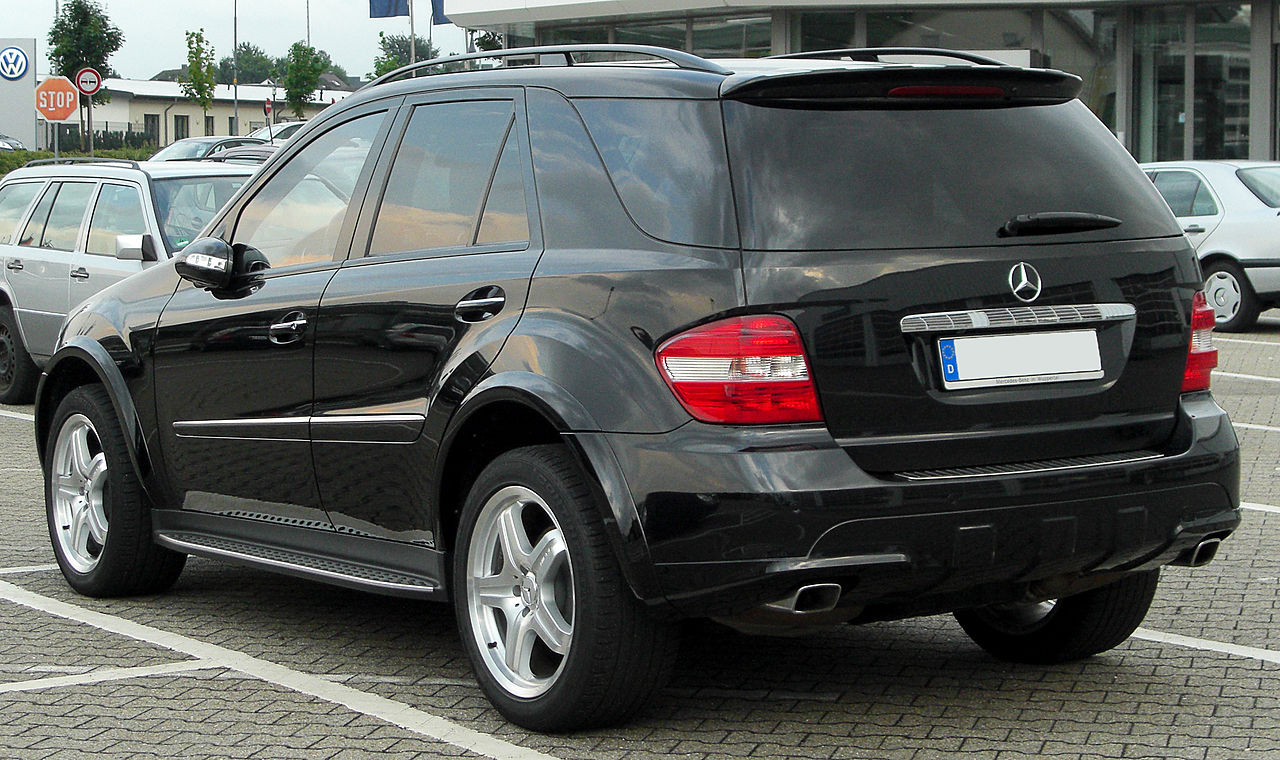 file mercedes ml amg sportpaket w164 rear. Black Bedroom Furniture Sets. Home Design Ideas