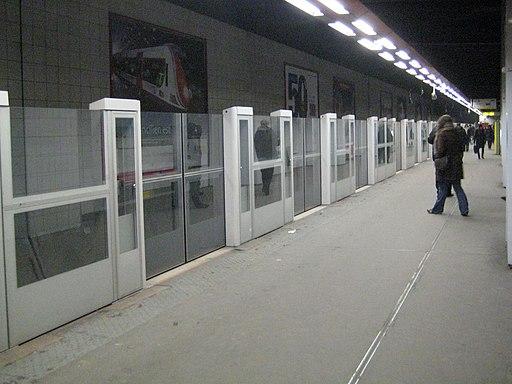 Metro L1 Grande-Arche IMG 1600