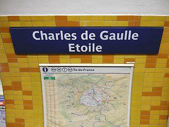 Charles de Gaulle–Étoile - Image: Metro de Paris Ligne 2 Charles de Gaulle Etoile 07