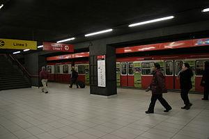 Duomo (Milan Metro) - Image: Milano Metropolitana Duomo Linea rossa Foto Giovanni Dall'Orto 3 jan 2007 02