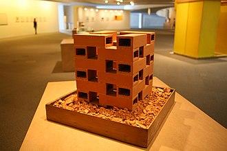 Hélio Oiticica - A exposição Hélio Oiticica – Museu é o Mundo (21 de dezembro 2010), no Museu Nacional Honestino Guimarães, em Brasília