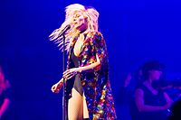 Natasha Bedingfield - 2016330220724 2016-11-25 Night of the Proms - Sven - 1D X - 0527 - DV3P2667 mod.jpg