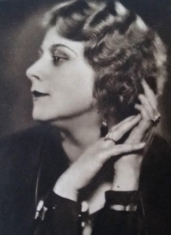 Nelly Gaierová 1932
