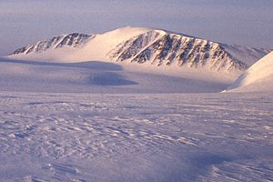 Ny-Friesland - Newtontoppen, the highest mountain of Svalbard, is located at Ny-Friesland