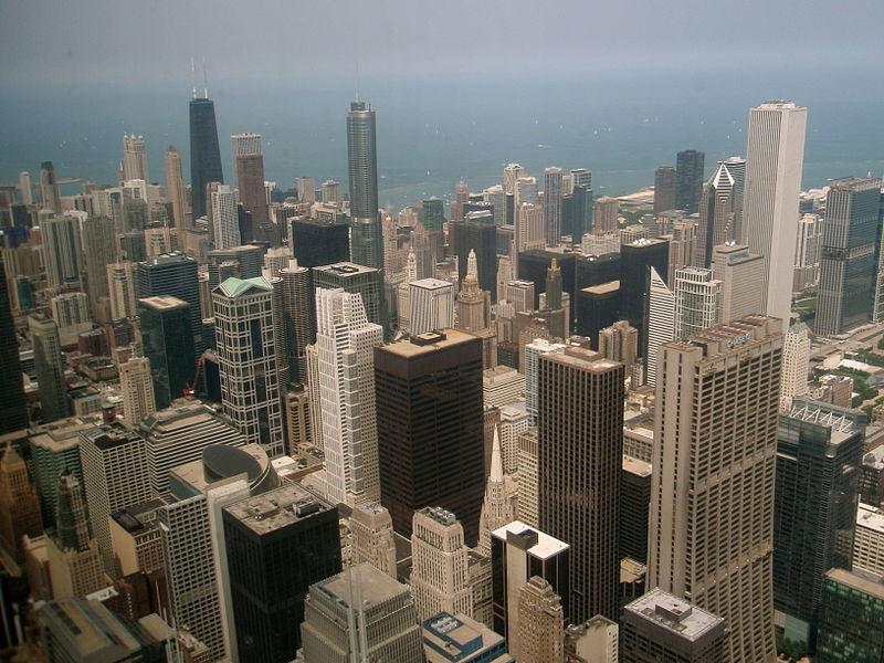 https://upload.wikimedia.org/wikipedia/commons/thumb/7/7d/North_View_from_the_skydeck_of_Sears_Tower.JPG/800px-North_View_from_the_skydeck_of_Sears_Tower.JPG