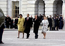 220px-Obamas_escort_Bushes_to_helicopter