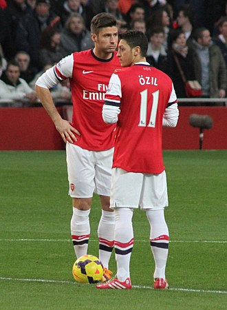 Olivier Giroud - Giroud and Mesut Özil before kick-off against Southampton in November 2013