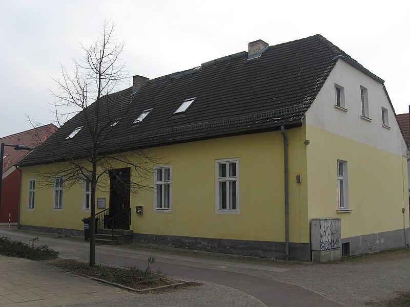 Datei:Oranienburg, Sachsenhausener Straße 2.jpg