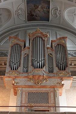 Orgel Schlosskapelle Schönbrunn 01.jpg