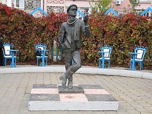 Picaresque novel - Statue of Ostap Bender in Elista