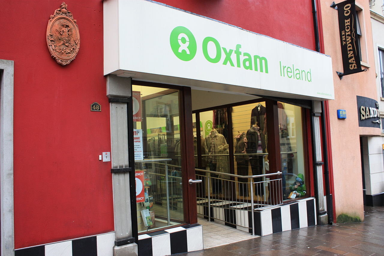 Oxfam, Omagh, January 2010.JPG