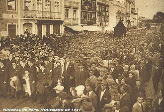 """Pepe Soares - Funeral procession for Portuguese football star, """"Pépe"""" Soares, 1931"""