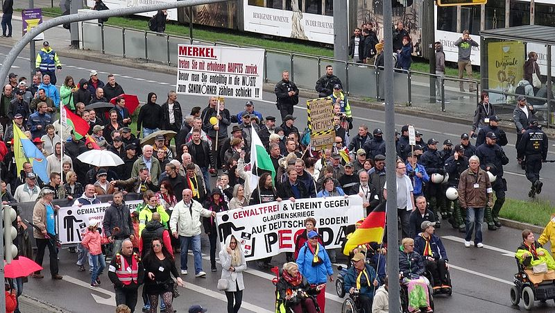 File:PEGIDA Demonstration Dresden 2016-10-03 DSC08175.jpg
