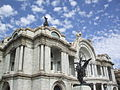 Palacio de Bellas Artes con nubes.jpg