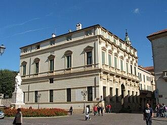 Palazzo Thiene Bonin Longare - Palazzo Thiene Bonin Longare in Vicenza (view from Piazza Castello)