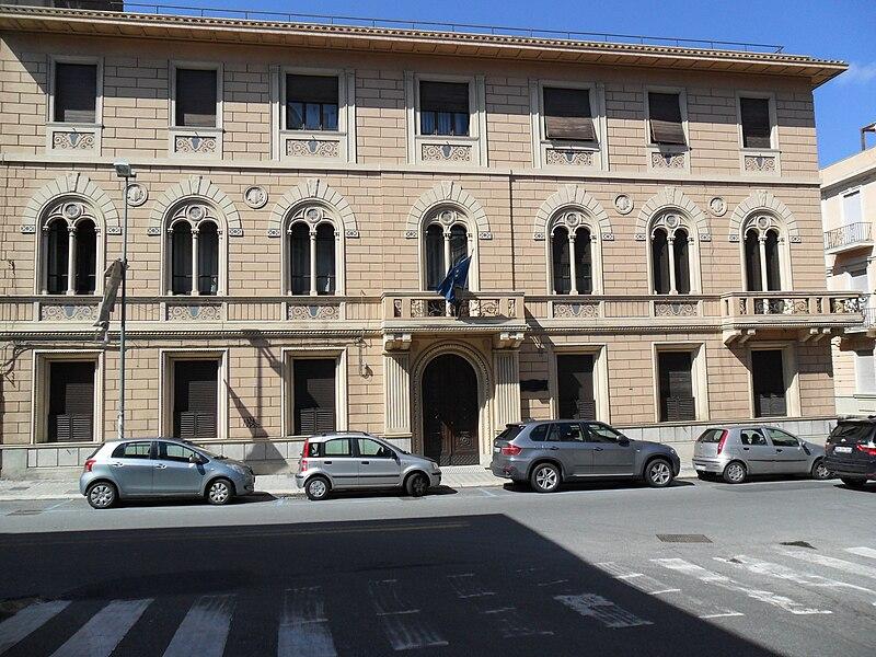 File:Palazzo della Camera di Commercio di ReggioC..jpg