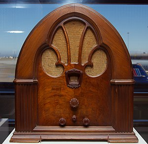 "Philco - A Philco 90 ""cathedral"" style radio from 1931"