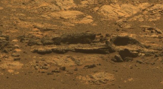 Pia16128-640-MatijevicHill-EnduranceCrater-20120928