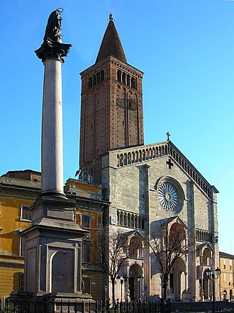 Piacenza Cathedral - Façade and the campanile