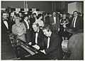 Pim Jacobs en Louis van Dijk aan de piano in het concertgebouw op het Festi-Ball, een gala feest van de voetbalclub F.C. Haarlem, NL-HlmNHA 54023725.JPG