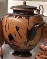 Pittore della nascita di atena, stamnos con scena di inseguimento, 460-450 ac. ca., dalla tomba dei vasi greci alla banditaccia 02.jpg